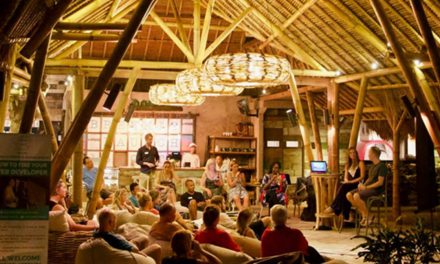 Speaking in Bali at the Genuis Cafe & Entrepenuers Club