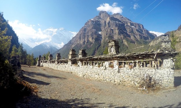 Annapurna Circuit 13 day Trekking Guide in Nepal